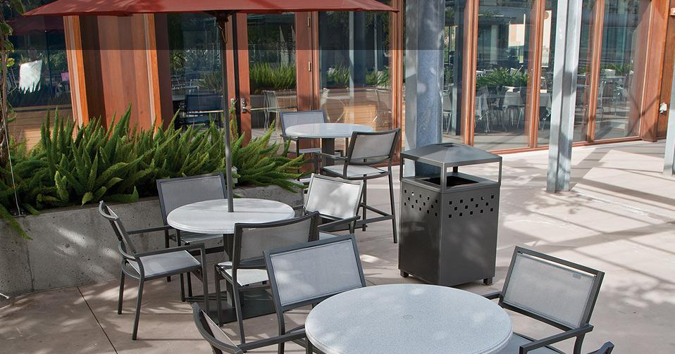 Caf Outdoor Furniture  Cafe Tables and Chairs  Tropitone