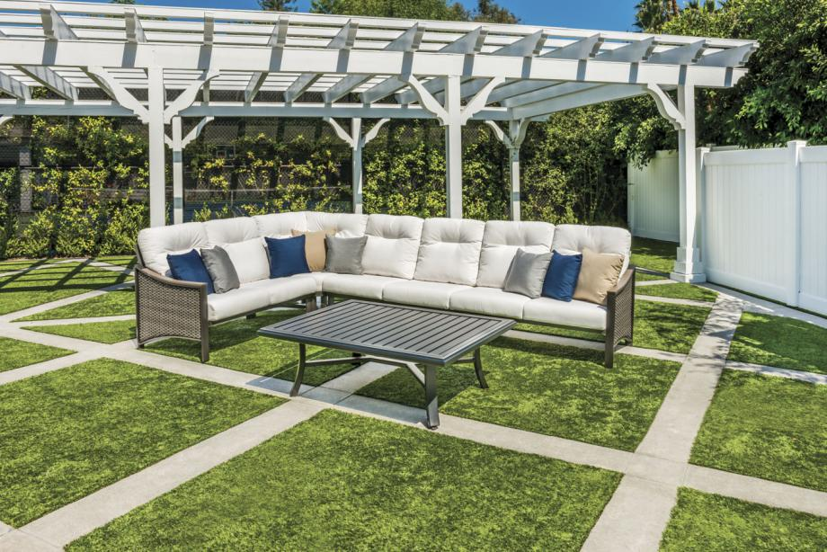 new residential outdoor furniture group