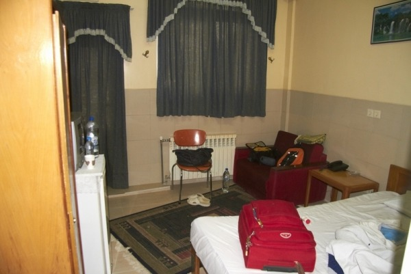 HABITACIÓN EN EL HOTEL ANVARI EN SHIRAZ