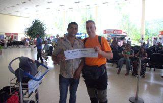 JORGE CON UPOL EN EL AEROPUERTO DE COLOMBO