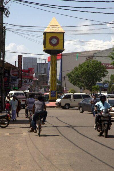 RELOJ EN NEGOMBO