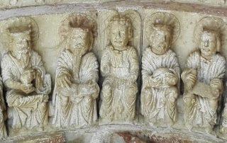 DETALLE DEL ÁNGEL EN LA ARQUIVOLTA DE LOS ANCIANOS DEL APOCALIPSIS, IGLESIA DE MORADILLO DE SEDANO