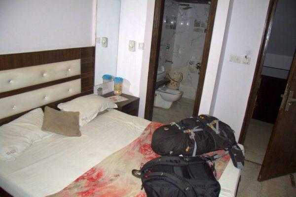 HABITACIÓN DEL HOTEL PARTH PALACE EN DELHI