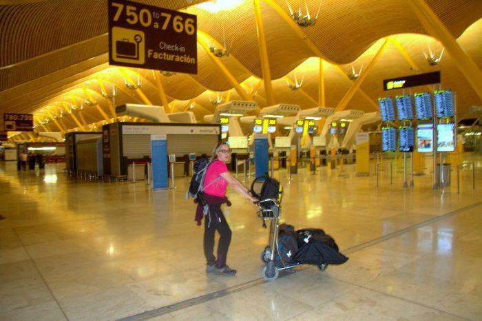 BEATRIZ EN EL AEROPUERTO DE ADOLFO SUAREZ, MADRID