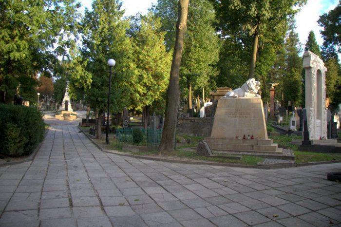 CEMENTERIO DE LYCHAKIV, LVIV