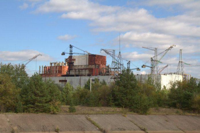 REACTORES EN CONSTRUCCIÓN EN LA CENTRAL NUCLEAR DE CHERNOBYL