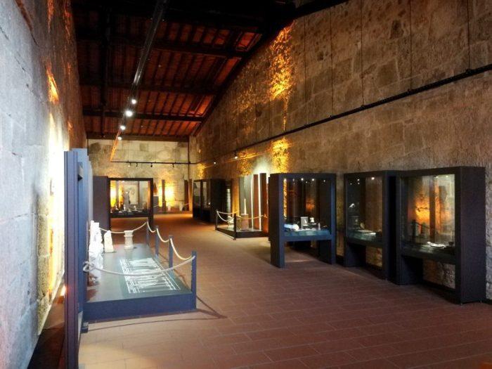 MUSEO EN EL GRANERO EN LAS RUINAS DE ANDRIAKE