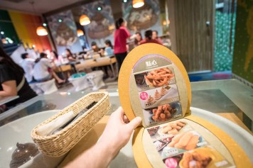 Modern Toilet Restaurant Taipei-4