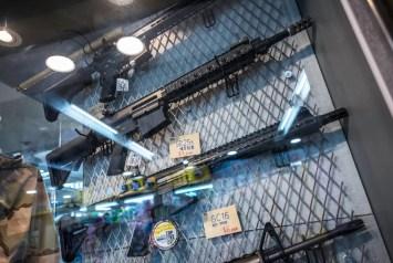 Wat te doen in Taipei - geweren kopen in de metro
