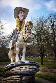 Lucky Luke standbeeld in Astridpark Charleroi