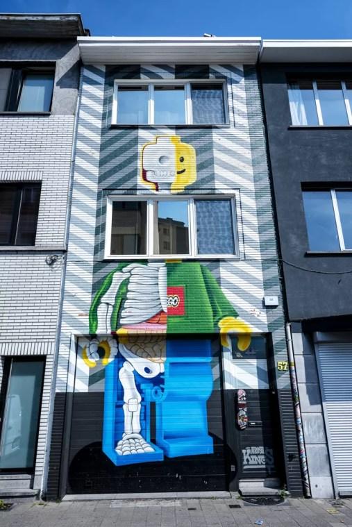 Street Art in Antwerpen - Brick by Brick by Rise One