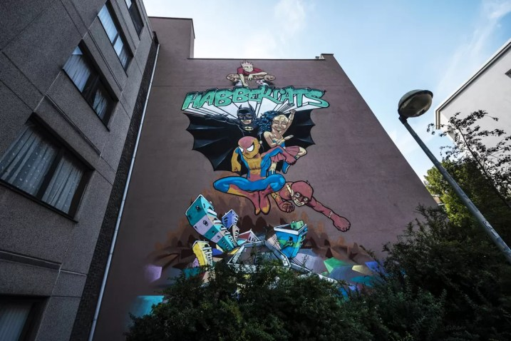 Street Art in Antwerpen - Every kid is a hero by A Squid Called Sebastian, Linksone, Flash