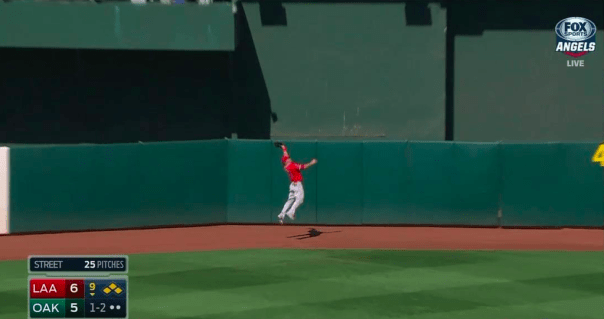 Fantastic Mike Trout Catch in Oakland