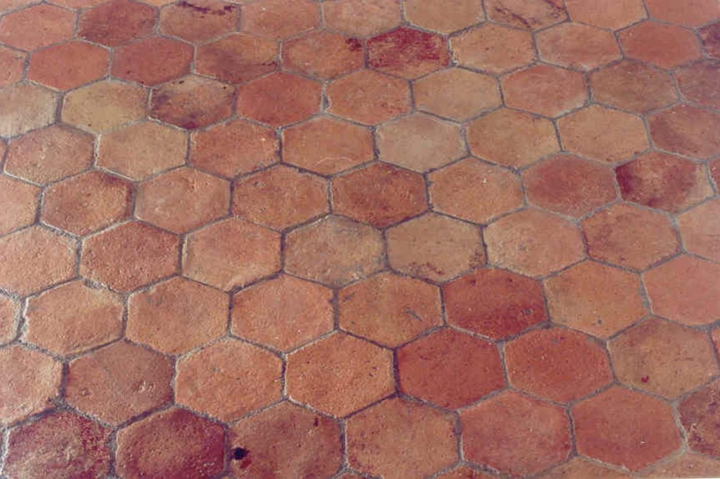 SOLS  Interni di Prestigio  pavimento in cotto esagonale   TrovaPavimentiit