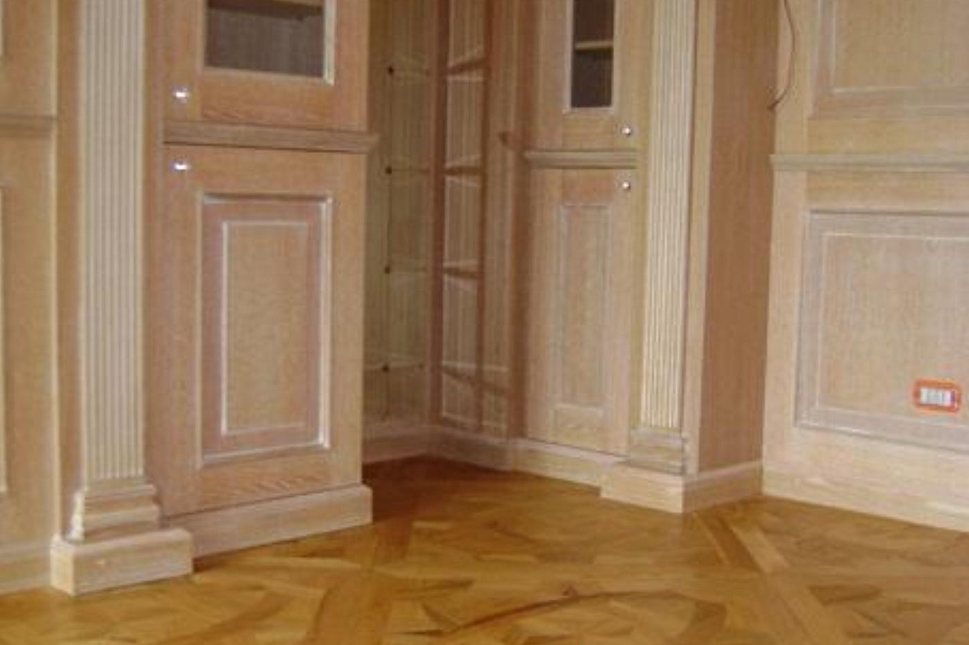 SOLS  Interni di Prestigio  Boiserie in legno con