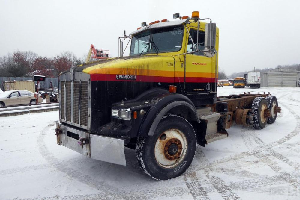 medium resolution of year 1995 make kenworth model t800 type tri axle cab and chassis truck motor cat 3406c mech 425 hp air to air yes engine brake jake wetline no