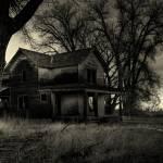 Haunted House © Sascha Burkard/ Stockfresh