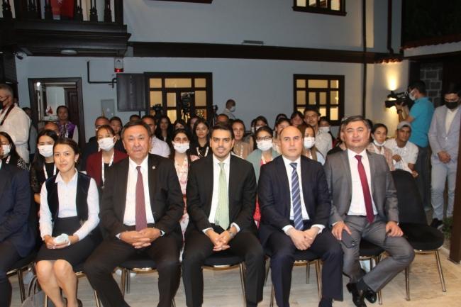 Türk dünyasından gençler Ankara'da buluştu