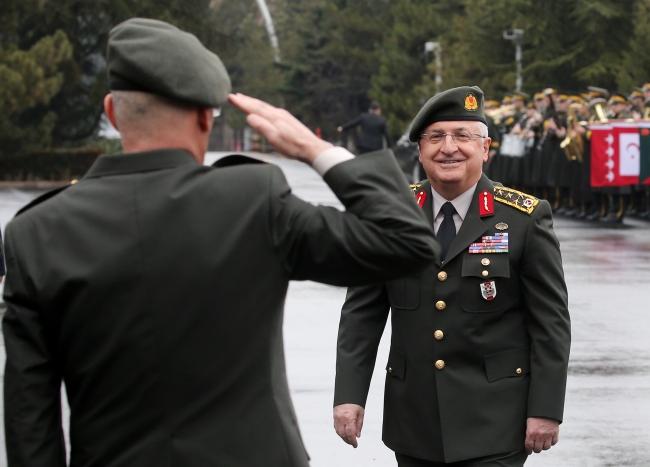 Yeni uygulama Genelkurmay Başkanı Orgeneral Yaşar Güler'in NATO Avrupa Müttefik Kuvvetler Komutanını karşıladığı törende de dikkat çekti. Fotoğraf: AA