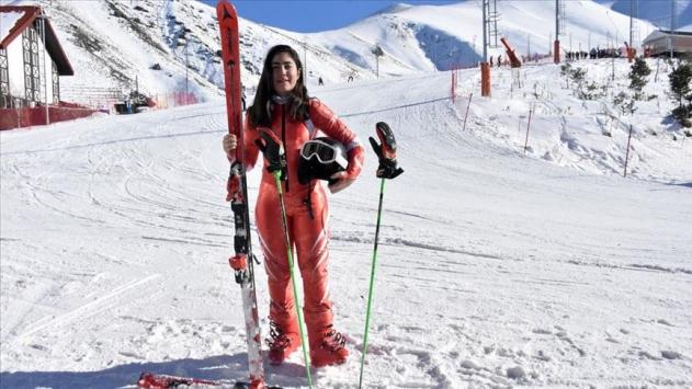 Türkiyeyi kayakta 2020 Lozan Kış Gençlik Olimpiyatlarında 7 sporcu temsil edecek