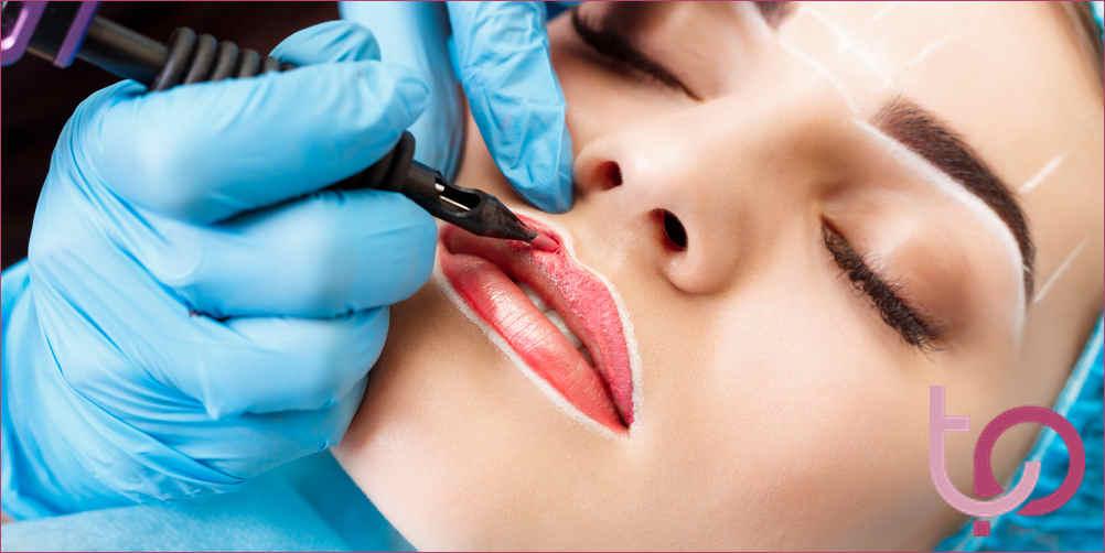 contorno labbra tatuato
