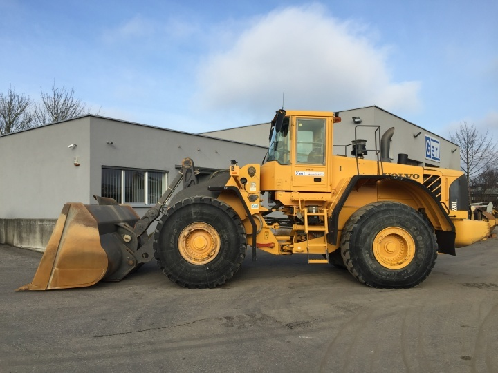 Volvo L 220 E wheel loader from Austria for sale at Truck1