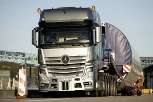 Mercedes-Benz; Actros; SLT; 4163; heavy haulage transport; Schwertransport; Windkraftanlage; wind energy plant; wind park; Windpark