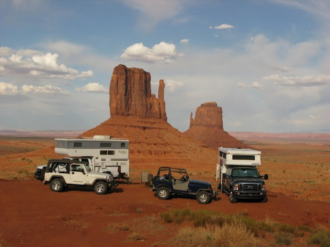 Truck Camper Rigs at Monument Valley_RobPeterson