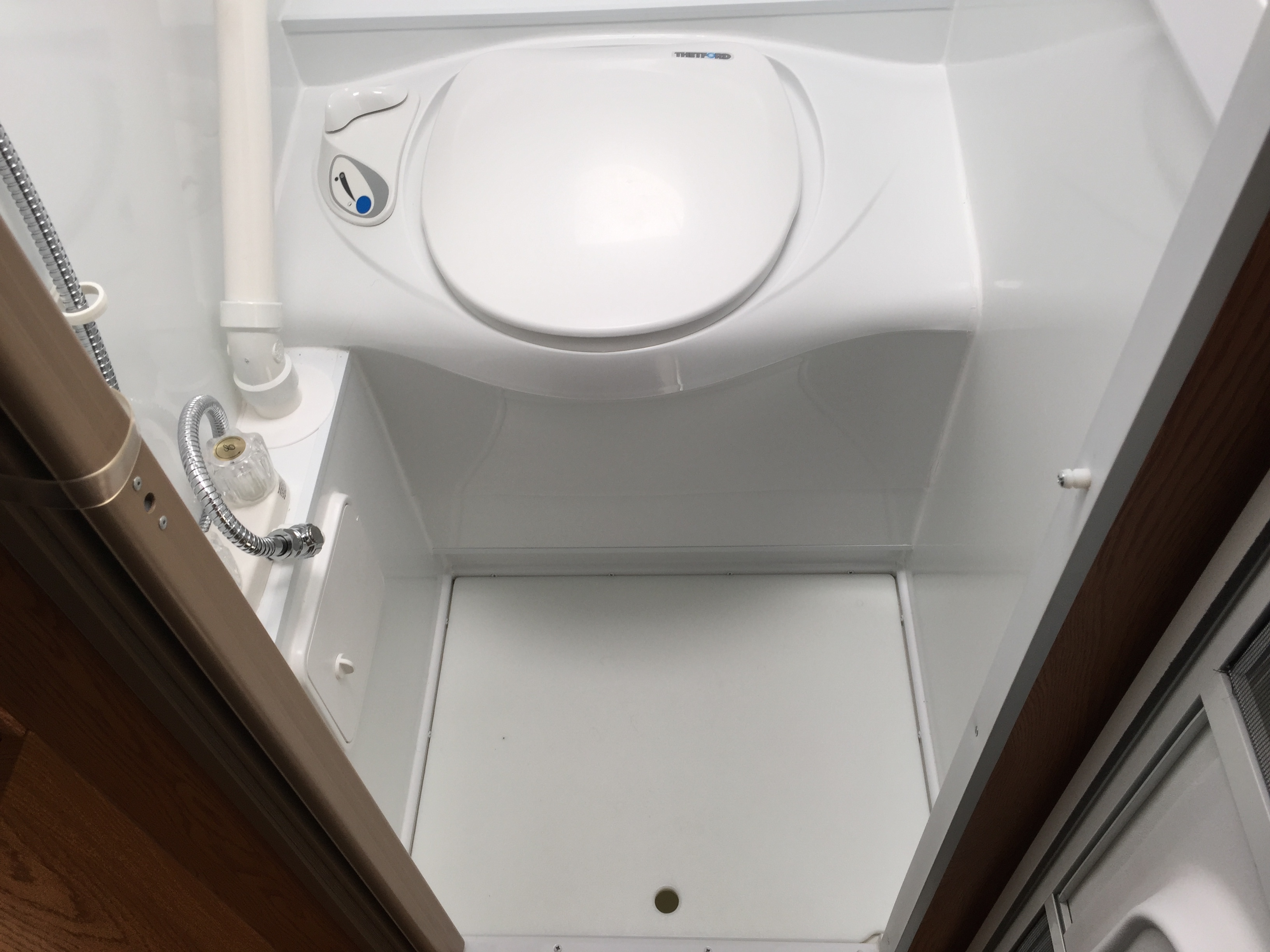 pros and cons of the rv wet bath