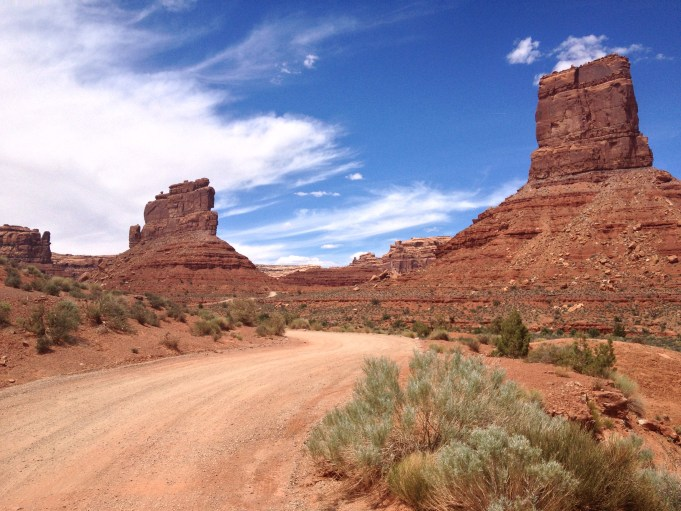 Utah's Valley of the Gods - The Castle - De Gaulle and His Troops -Truck Camper Adventure