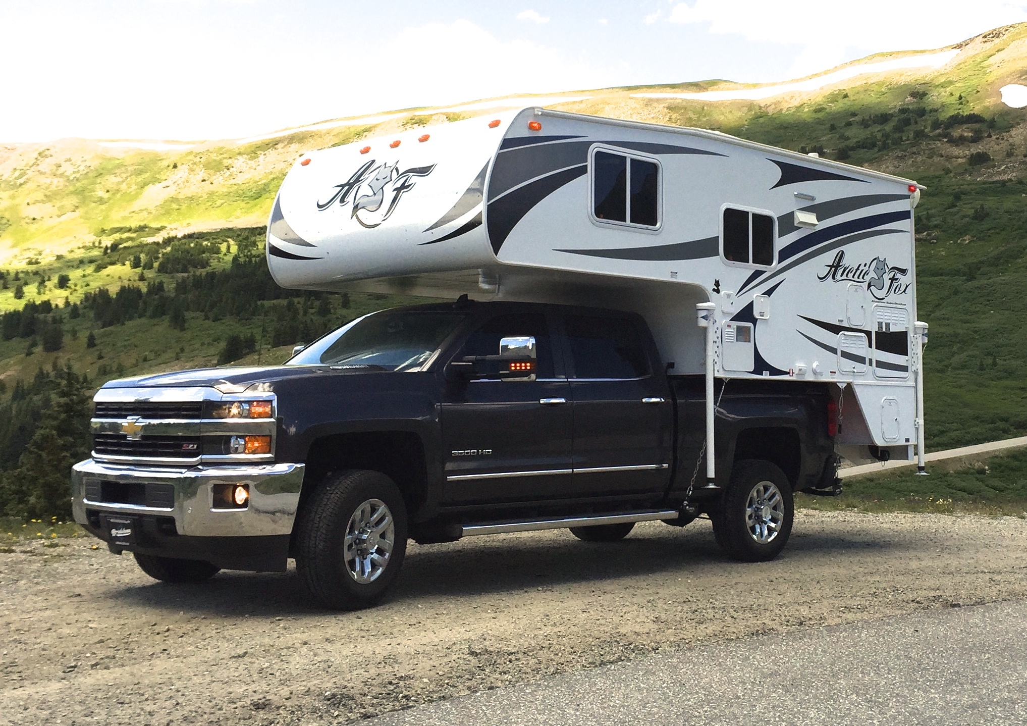 review of the 2015 arctic fox 811 truck camper truck camper adventure. Black Bedroom Furniture Sets. Home Design Ideas