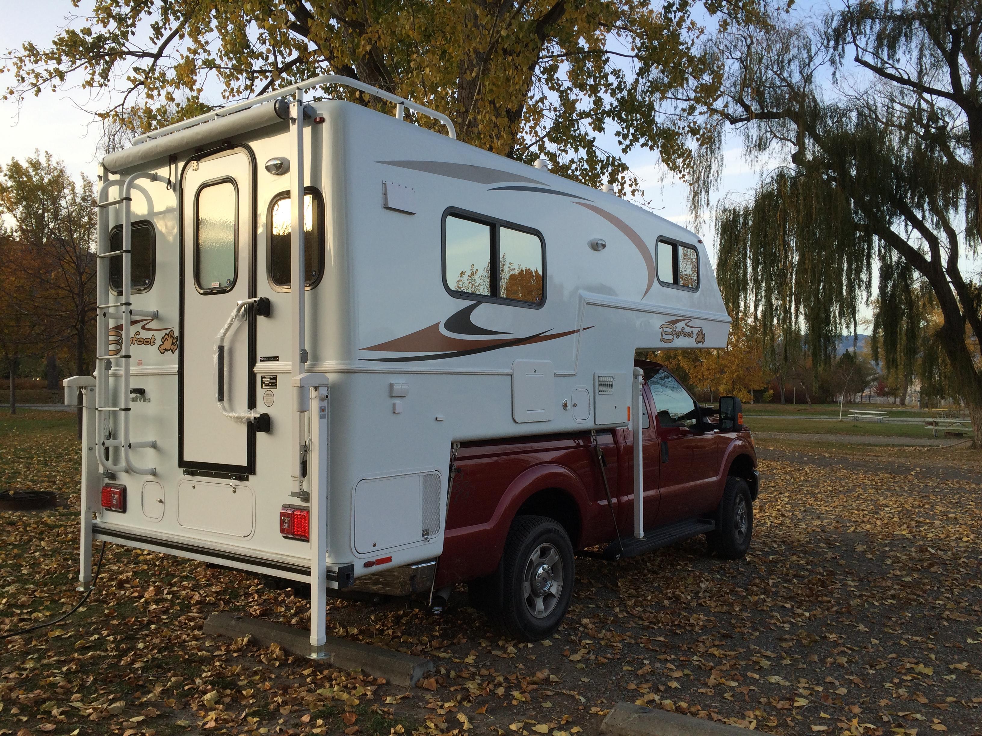 Review Of The 2017 Bigfoot 25c9 4sb Truck Camper Truck