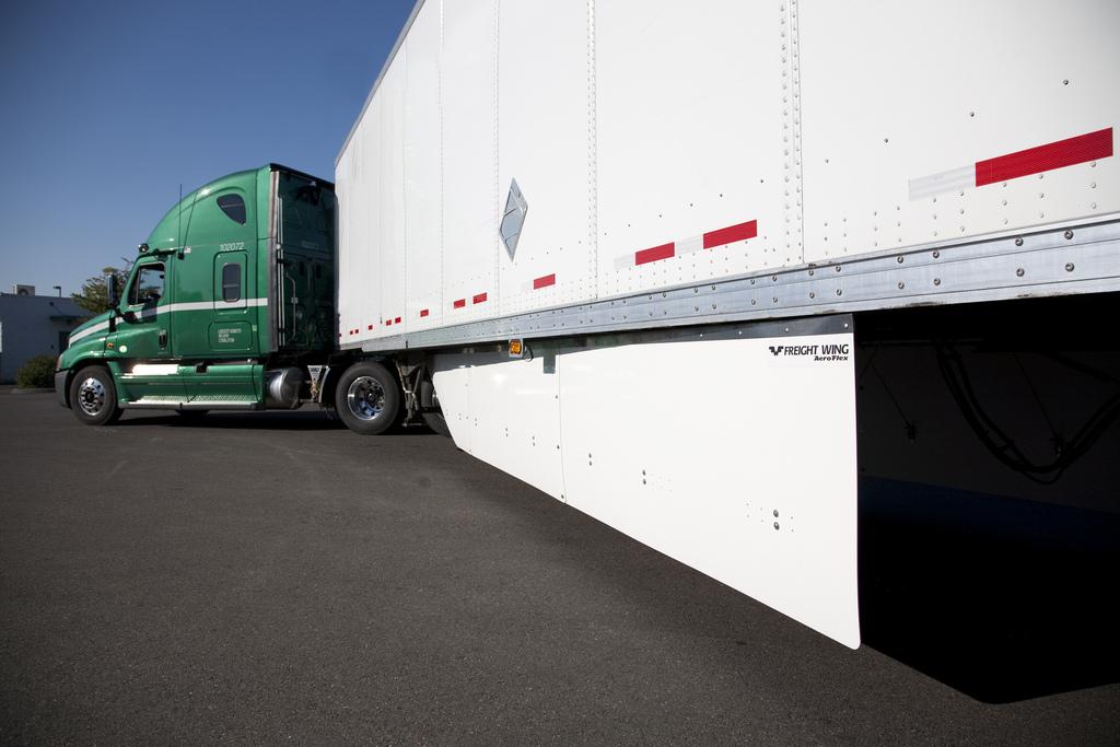 Freight Wing launches next generation AeroFlex side skirts  Truck News