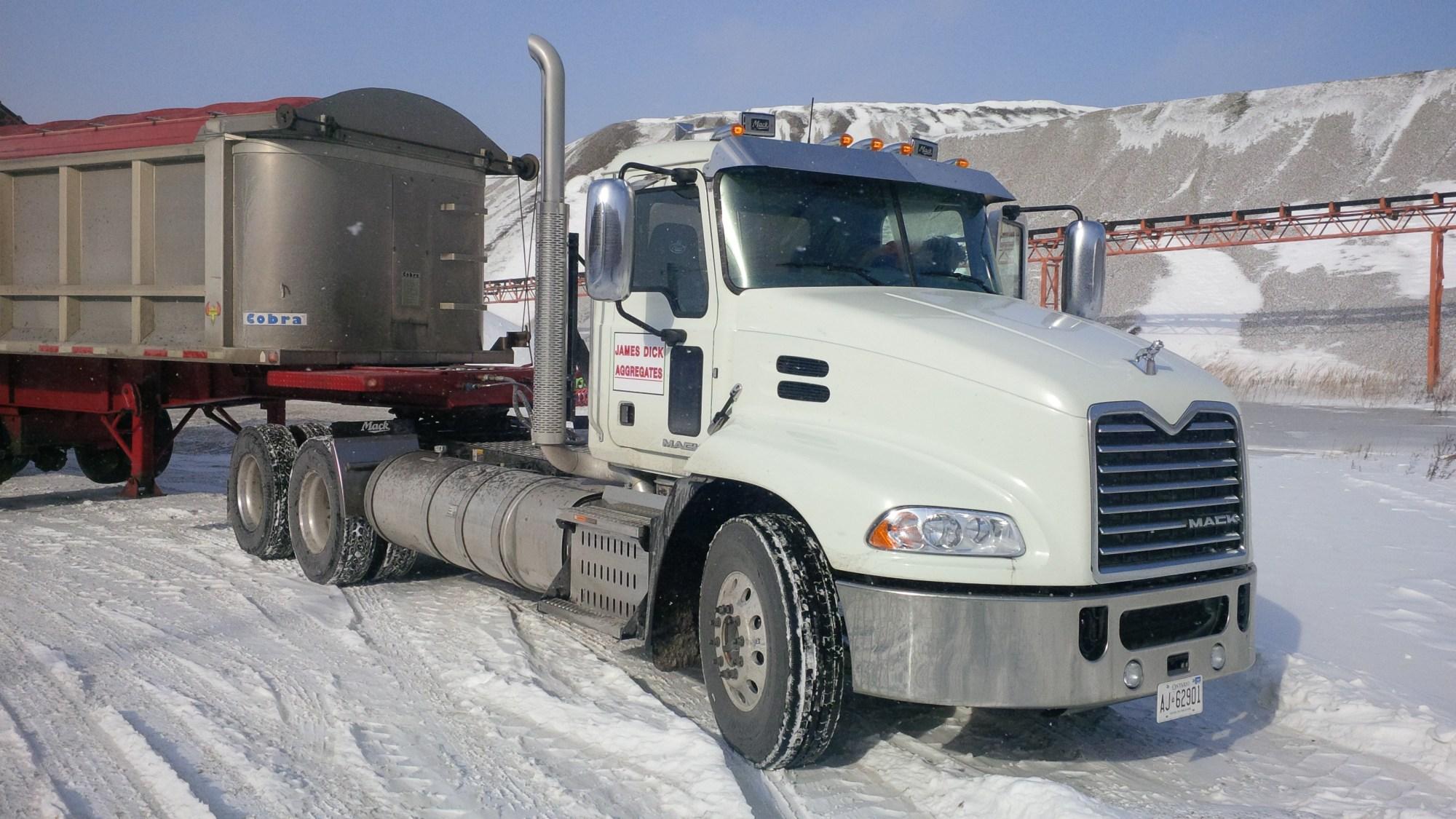 hight resolution of the mack pinnacle with mp8 505c engine truck news rh trucknews com