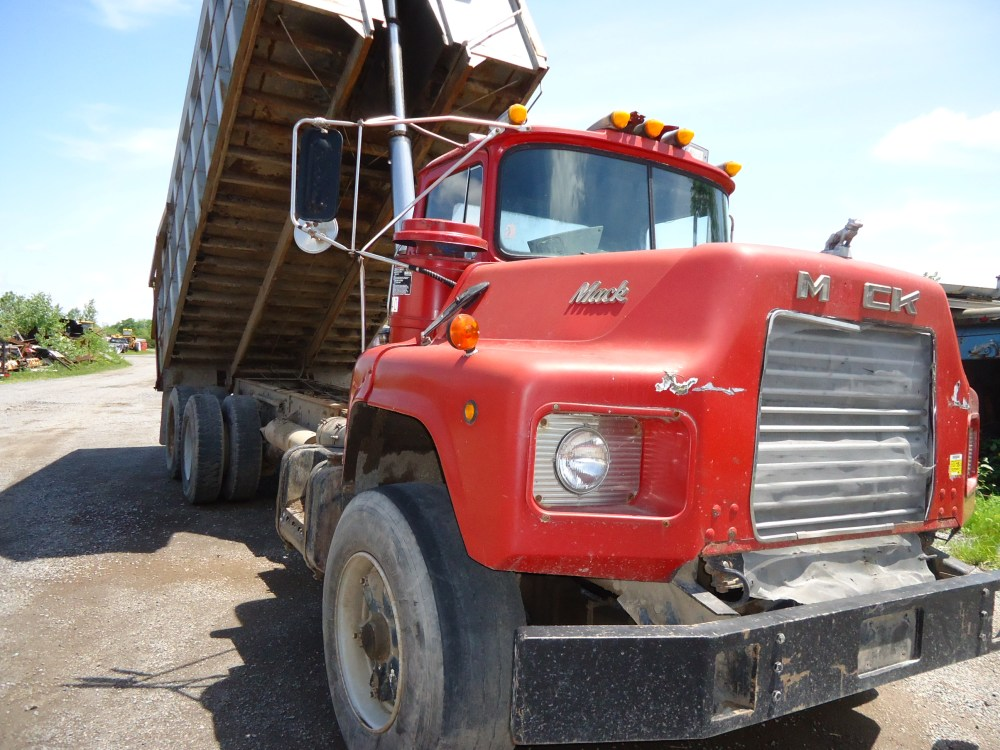 medium resolution of used 1987 mack dm dump truck 578177