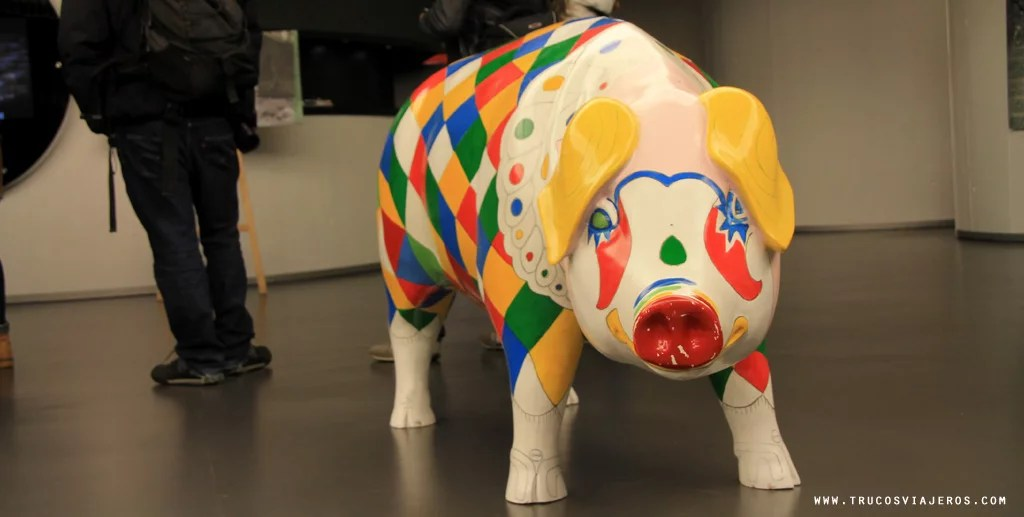 Lalin pig with carnival dress from Lalin in Galicia Spain - trucosviajeros