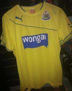 Newcastle-Third-Kit-2013-14
