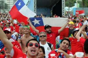 CHILENOS NO FIFA FAN FEST EM COPACABANA