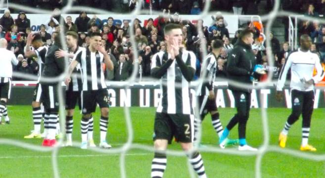 Players applaud crowd as SJP celebrates promotion at full time