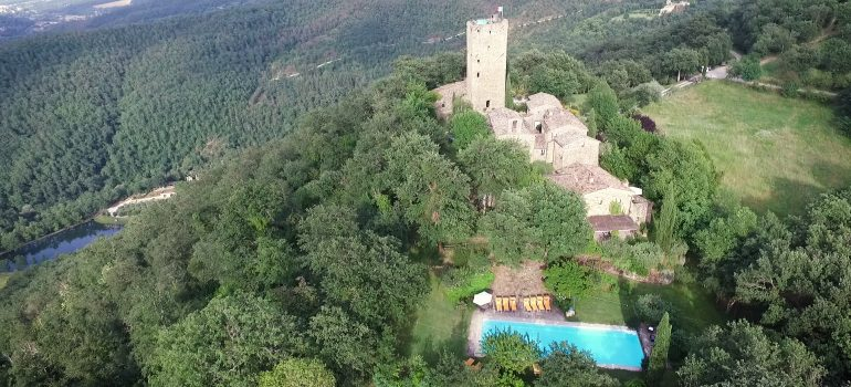 castle for rent in italy
