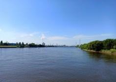 Blick über die Elbe nach HH