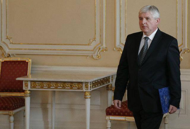 Σάλος στην Τσεχία: Ο πρωθυπουργός «βαριέται» να πάει στην κηδεία του Μαντέλα