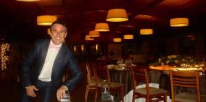 Un café con Yolinda- Entrevista a Richar del Toro, diseñador floral-