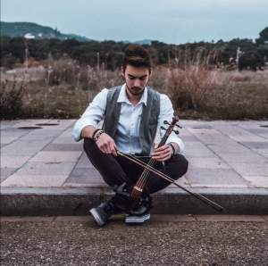 Un café con Yolinda – Entrevista a Aitor Schwaderer, Violinista profesional –