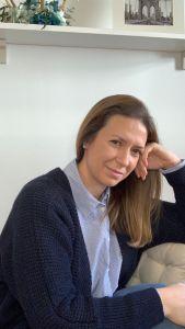 Un café con Yolinda – Entrevista a Ana de Detalles de Cerezas de colores –