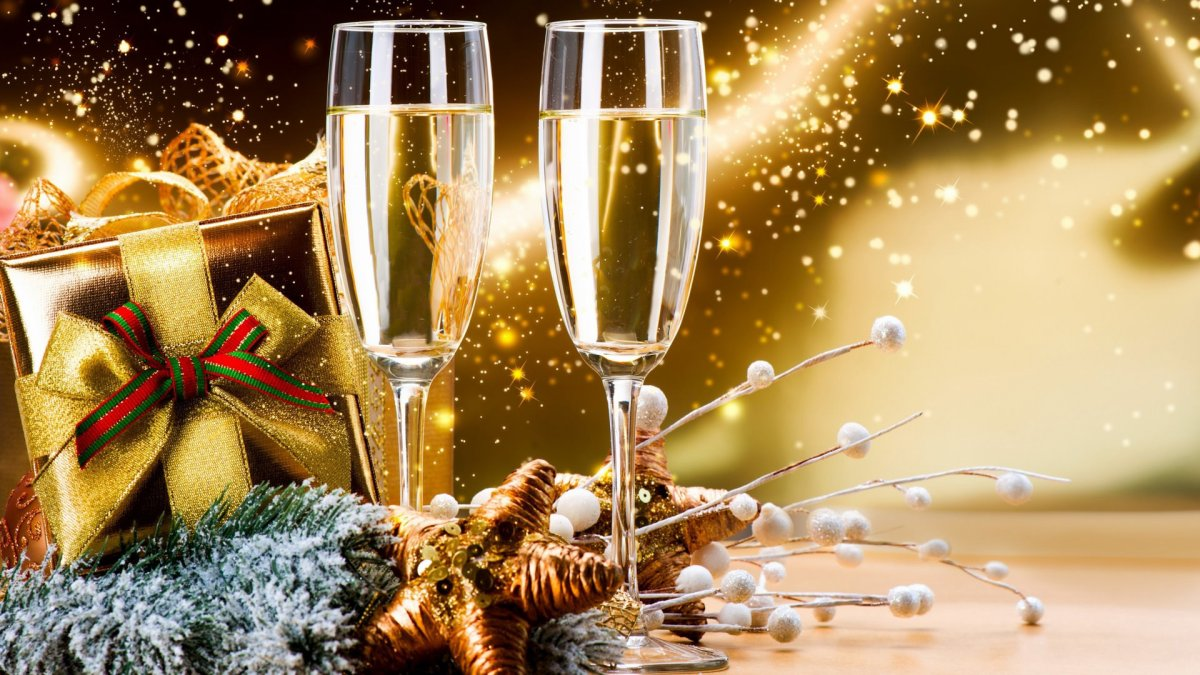 Wine Glass Wallpaper for New Year
