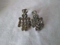 Vintage Pair of Screw Back Rhinestone Earrings Silver tone ...