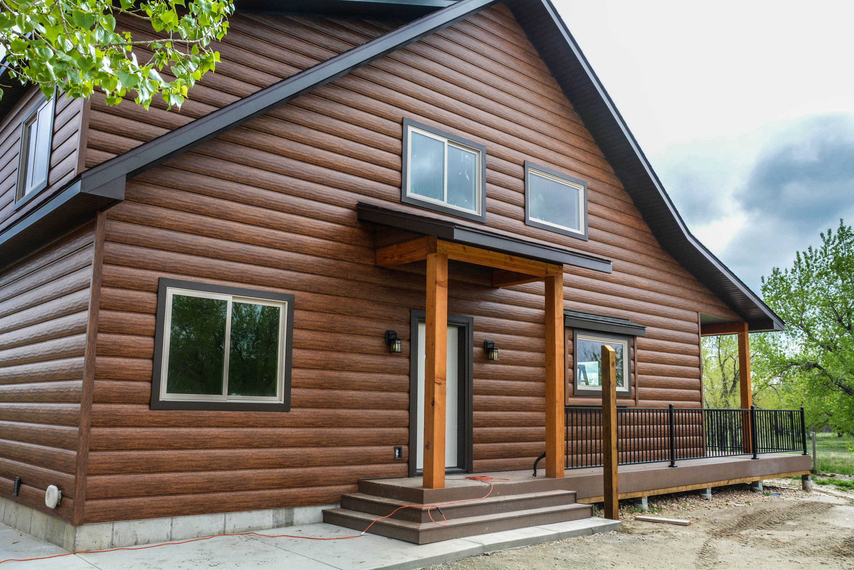 Log cabin vinyl siding fabulous red vinyl siding colors for Steel log siding prices