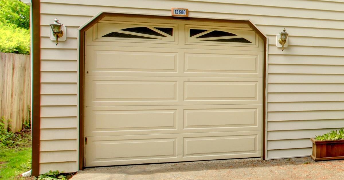 Paint that looks like wood paint a garage door to look for Steel garage doors that look like wood