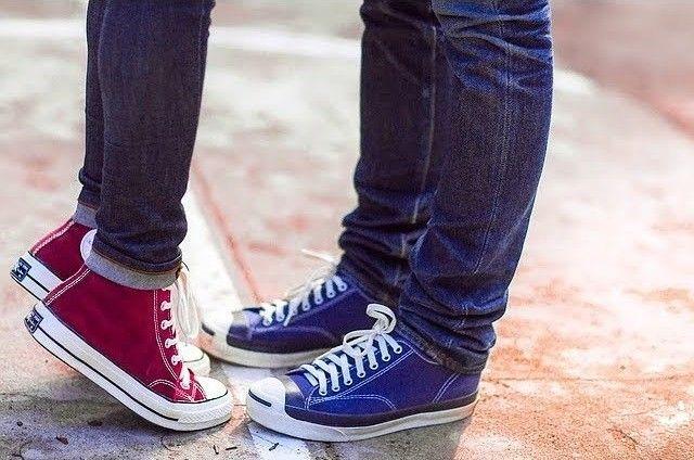 como combinar zapatillas para vestir